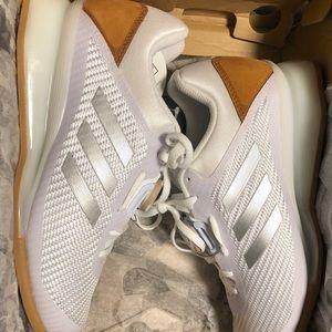 NIB Adidas Leistung 16 II - Size 6.5 Men's